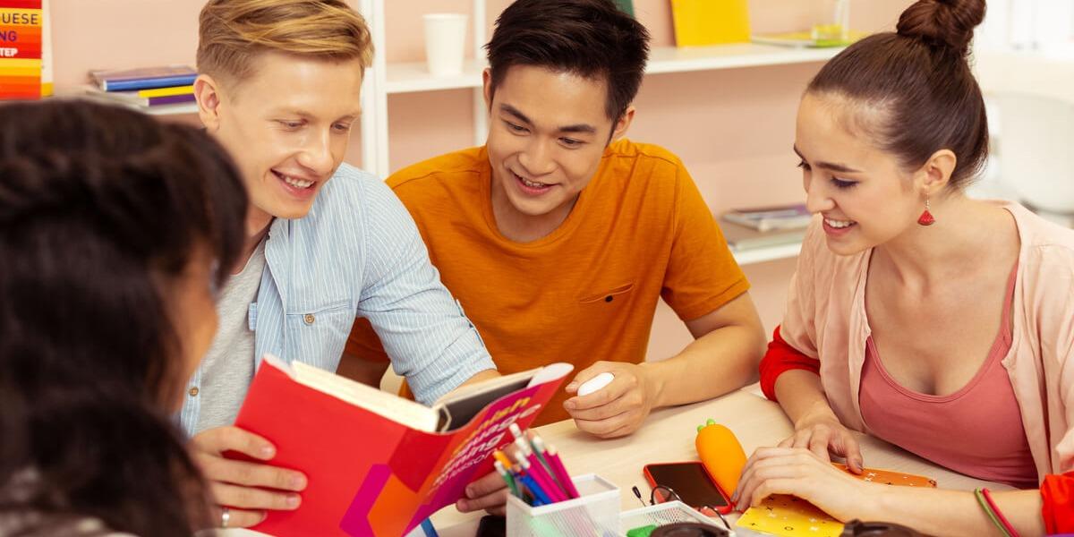 Captação de alunos para escolas de idiomas | Sponte