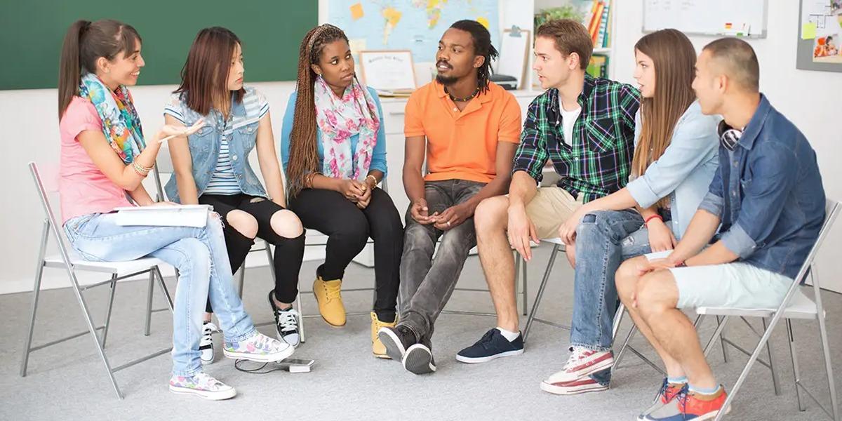 >Reconhecer a identidade de alunos: um passo importante para a diversidade e a representatividade em escolas